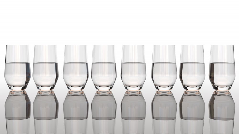 Fact or fiction: Everyone needs to drink 8 glasses of water per day