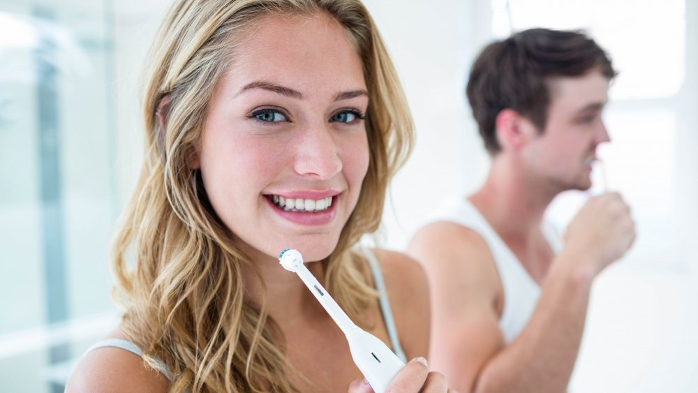 Mistakes Everyone Makes When Brushing Their Teeth