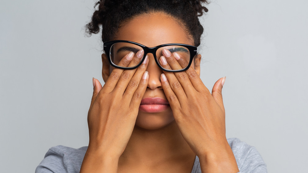 The real reason why rubbing your eyelids feels so good
