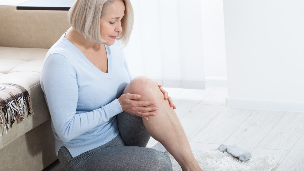 woman with pain in calf