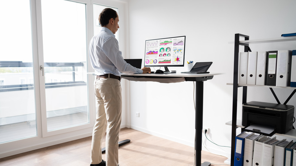 When You Start Using A Standing Desk, This Is What Happens