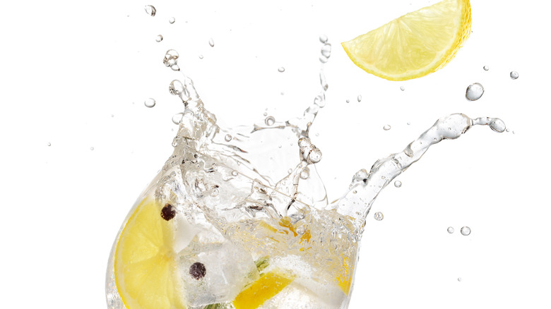 Why You Should Think Twice Before Putting A Lemon In Your Drink